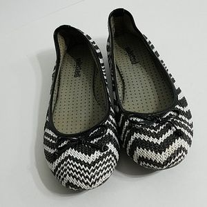 Unlisted Flat shoes